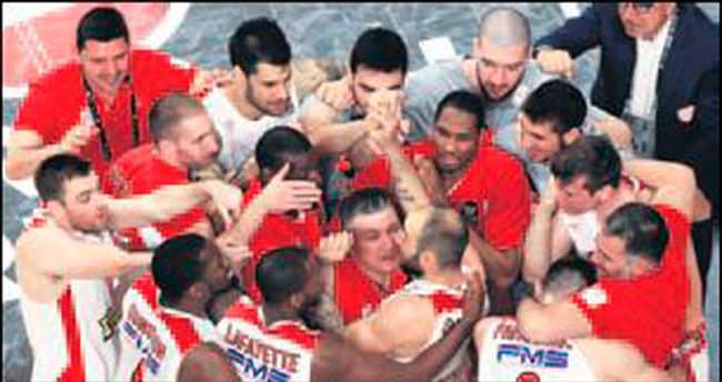 Olympiakos, CSKA'yı bir kez daha mat etti