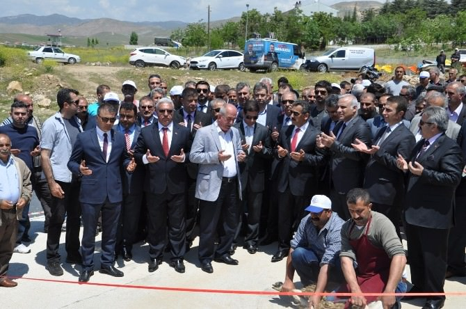 Tunceli'de 12 Milyonluk Feribotlar Törenle Suya İndirildi
