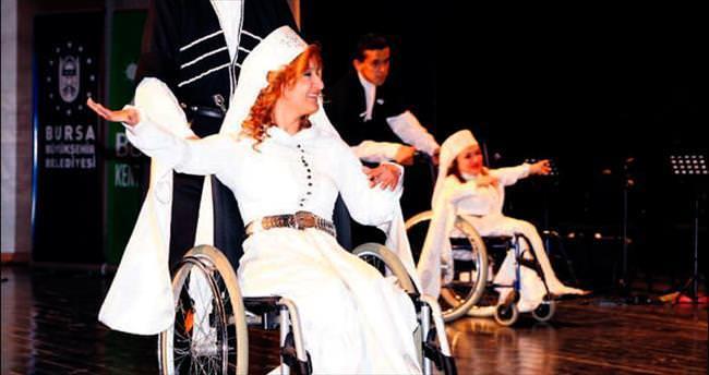 Engelli gençler bu kez sahnedeydi