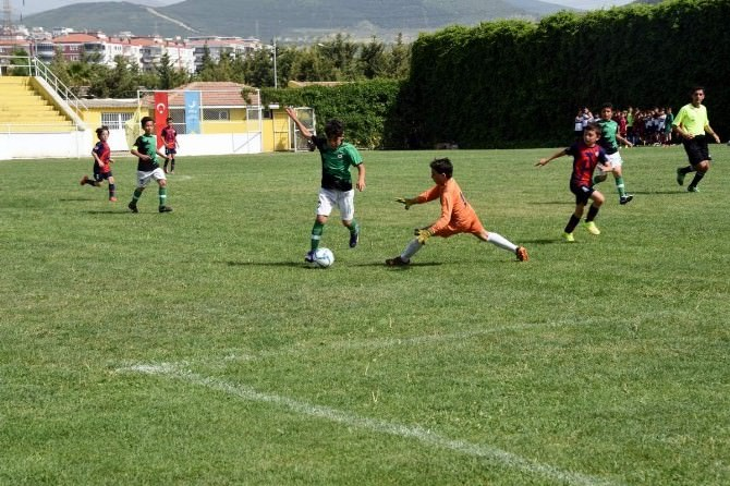 'Çocuk Futbol Şenliği'nin Şampiyonu Altınordu