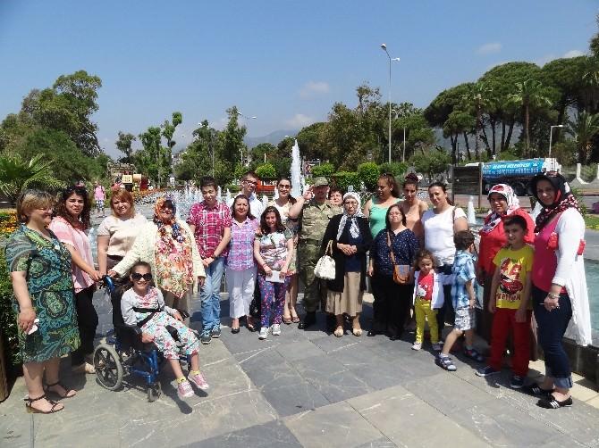 Alanya'da Engelli Öğrenciler Kahvaltıda Bir Araya Geldi