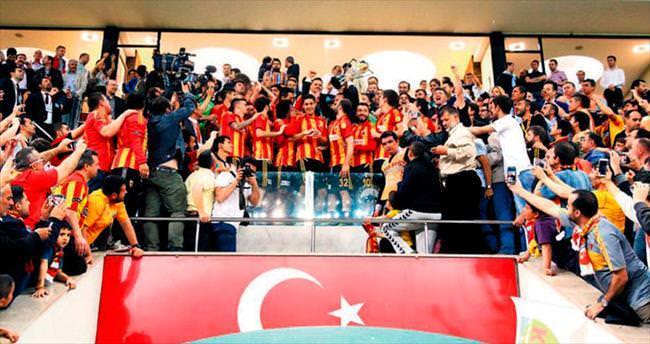 Şampiyon Kayseri kupayla taçlandı