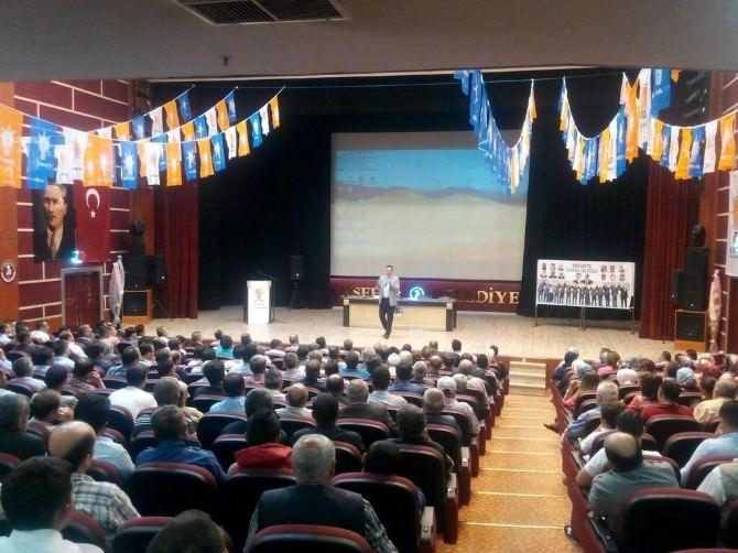 Akşehir AK Parti'de Eğitim Programı