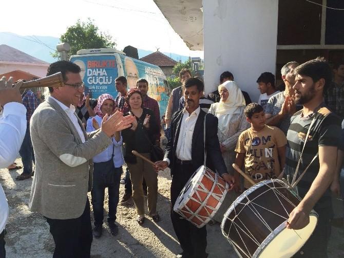 AK Parti Adayı Uslu, Roman Mahallesinde Davul Zurnayla Karşılandı
