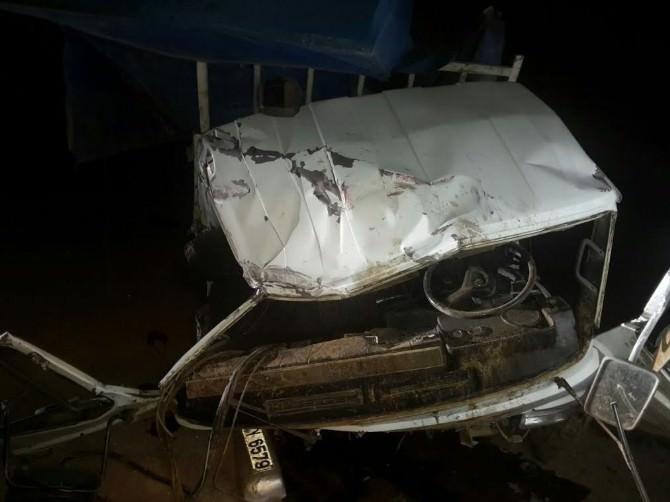 Çankırı'da Parti Bayrağı Asan Gençler Kaza Yaptı: 4 Yaralı