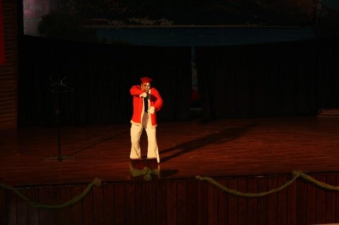 Edremit'te Pandomim Gösterisi İlgi Gördü