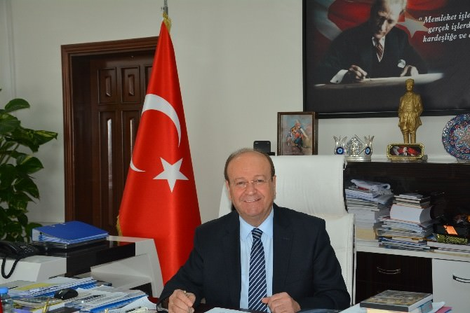 """Başkan Özakcan; """"19 Mayıs 1919 Türk Milletinin Yeniden Doğuş Günüdür"""""""