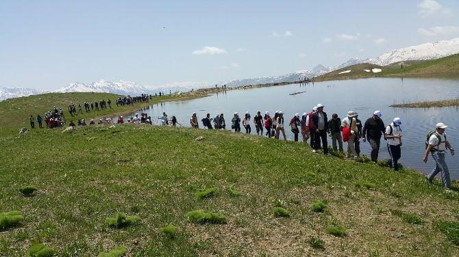 Hakkari Dağlarında Gençlik Yürüyüşü