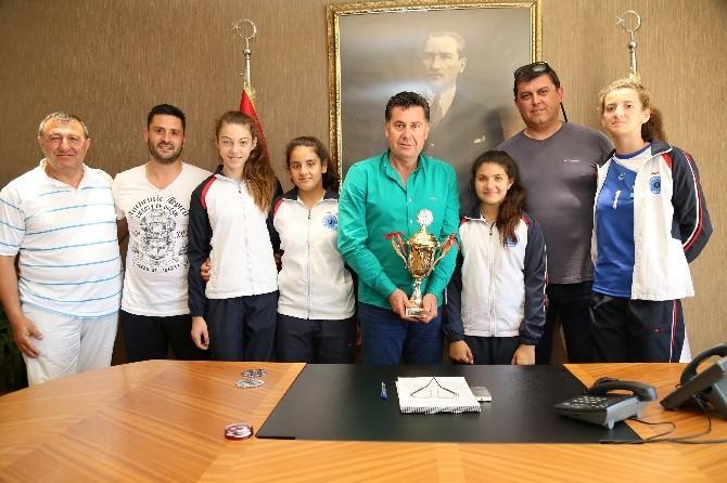 Muğla Şampiyonu Bodrumlu Voleybolcular Yarı Finale Gidiyor