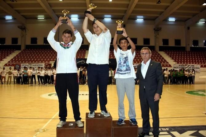 19 Mayıs Spor Etkinliklerinde Ödüller Sahiplerini Buldu