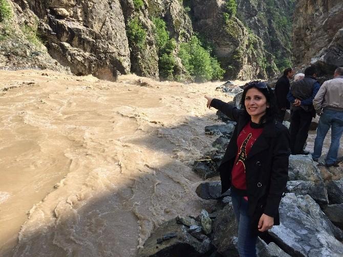 Çoruh Nehri Taştı, Artvin Şavşat Karayolunda Ulaşıma İzin Vermiyor