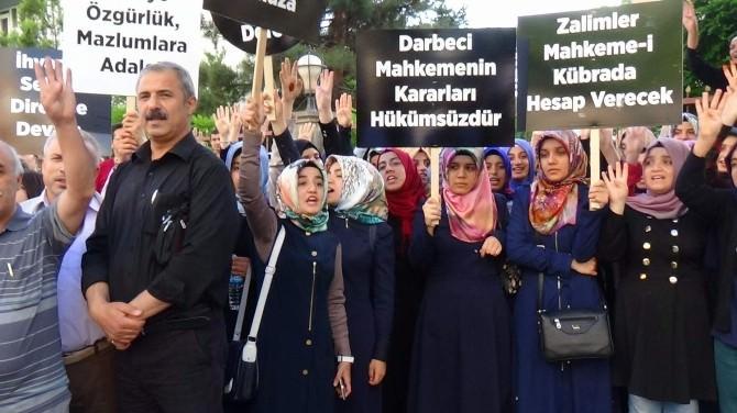 Mısır'da Verilen İdam Kararları Siirt'te Protesto Edildi