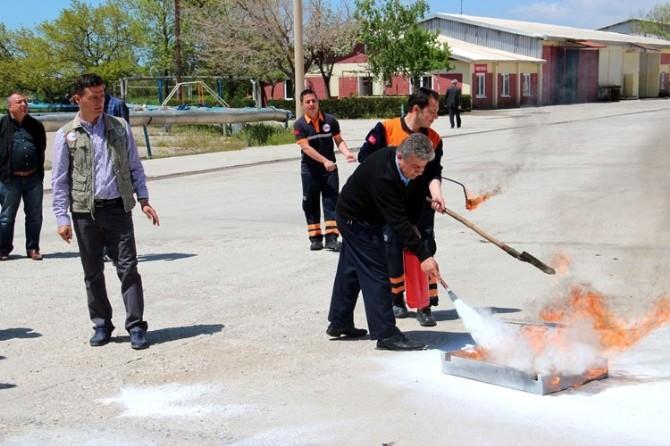 AFAD'dan Erciş Şeker Fabrikası Personeline Afet Eğitimi