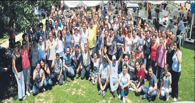 Ekol çalışanları piknikte stres attı