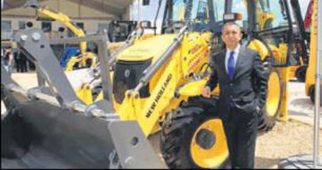 New Holland'ın 12 modeli vitrinde