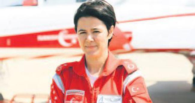 İlk kadın akrobasi pilotu 19 Mayıs için şov yapacak