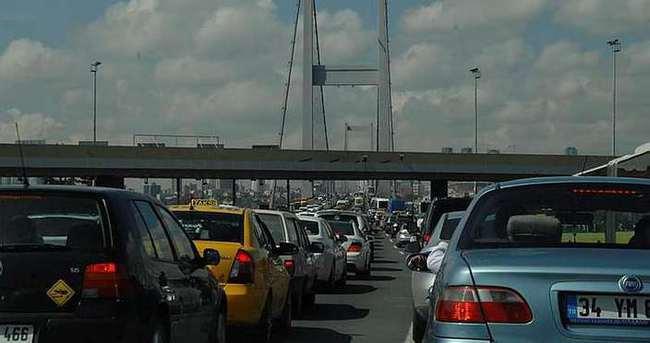FSM Köprüsü'nde kaza
