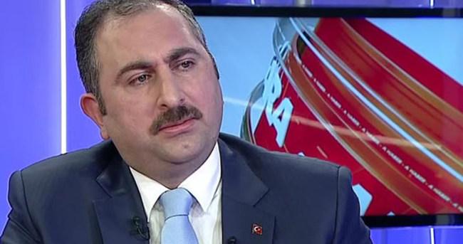 Ak Parti'den Hürriyet'in başyazısına sert tepki!