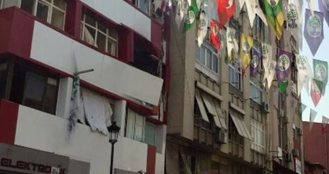 Adana HDP'ye bomba koyan kişinin eşkali tespit edildi