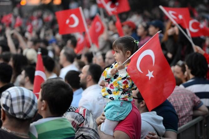 Beşiktaş'ta Mega Star Tarkan Rüzgarı