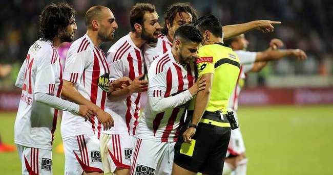Yazarlar Sivasspor - Galatasaray maçını yorumladı