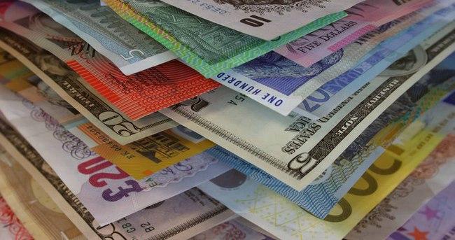 Serbest piyasada dolar ve avronun (euro) açılış fiyatları