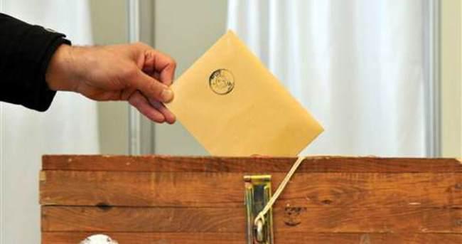 Başkasının yerine oy kullanmak isterken yakalandı