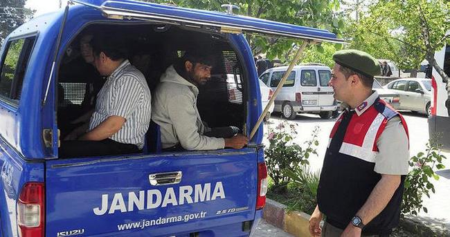 Ayvacık'ta  60 kaçak yakalandı