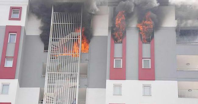Adana'da çıkan yangın korkuttu