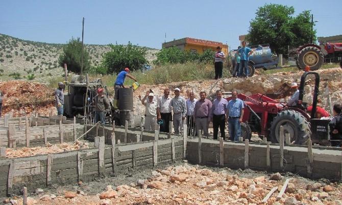 Başkan Özdemir, Fıstıklıdağ'ın Taziye Evi Temelini Attı