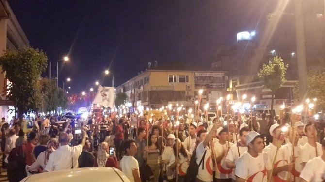 Düzce'de Fener Alayı Yürüyüşü Yapıldı