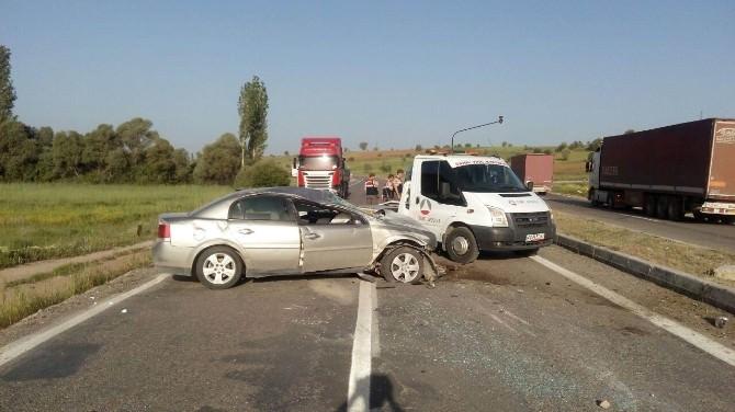 Beyşehir'de Otomobil Takla Attı: 3 Yaralı