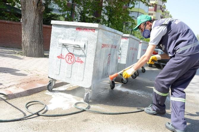 Meram'da Çöp Konteynerleri Dezenfekte Ediliyor