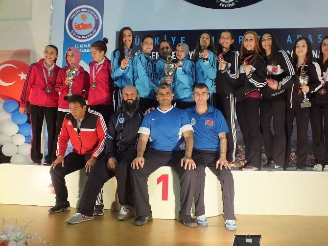 Kocaelili Karatecilerin Yeni Rotası Paris
