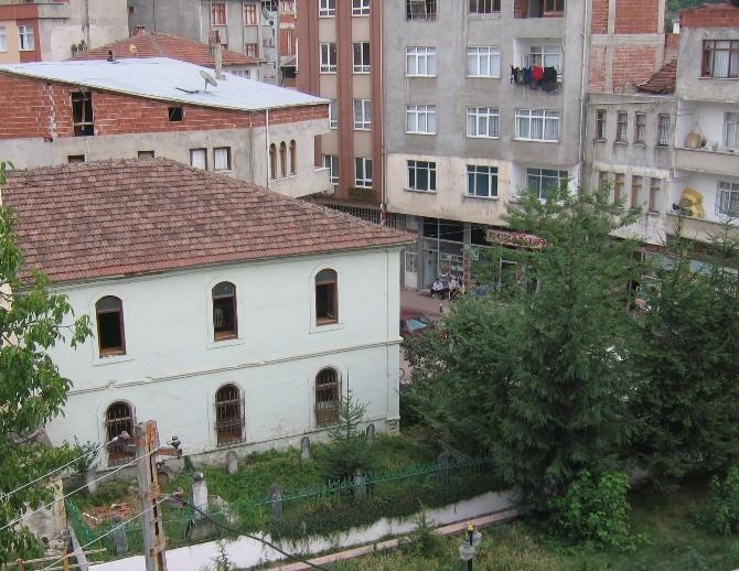 Tarihi Kumru Camisi Restore Ediliyor