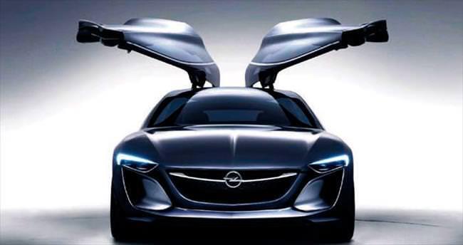 Opel'den dört Türkiye prömiyeri