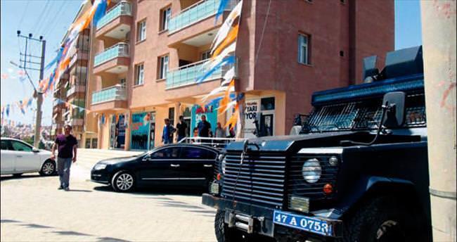AK Parti Mardin seçim bürosuna bombalı saldırı