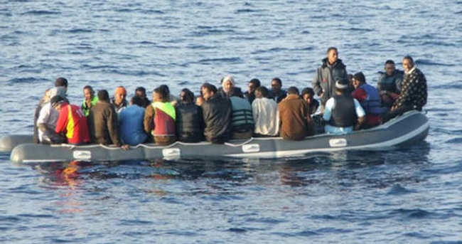 Kaçakları taşıyan tekne battı