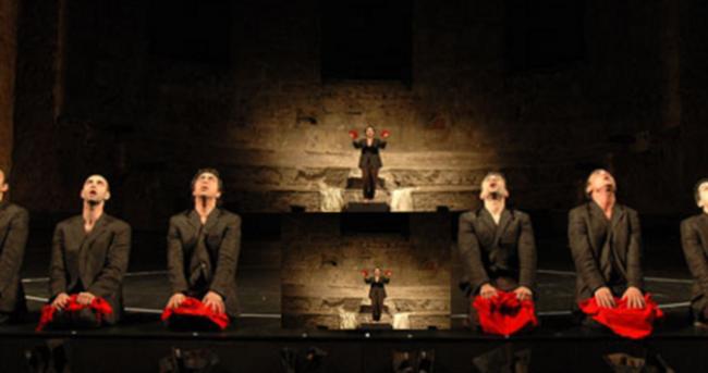 Zincire Vurulmuş Prometheus sahnelendi