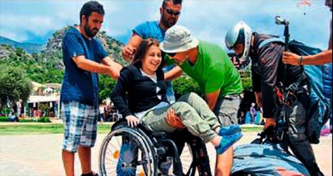 Engelli kadının ilk uçuş deneyimi