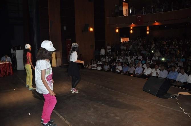 Kahta'da İngilizce Şarkı Ve Skeç Yarışması Yapıldı