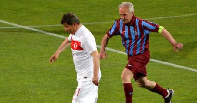 Başbakan Davutoğlu'ndan Avni Aker'de gol şov