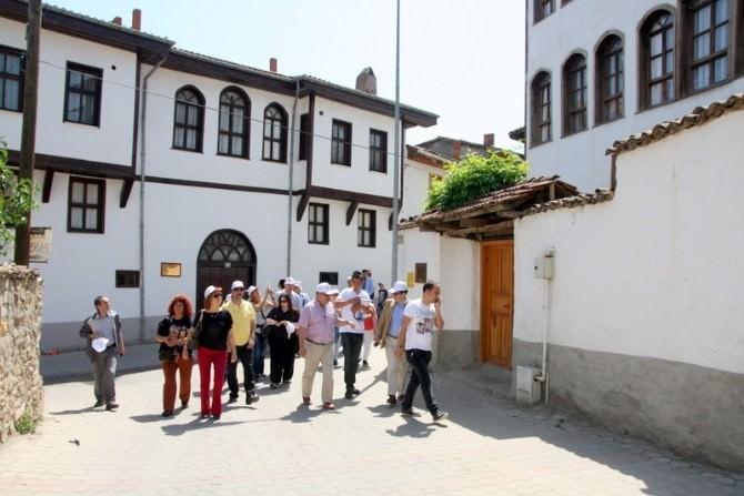 Zirveye Katılan Akademisyen, Uzman Ve Öğrencilerin Osmaneli Gezisi