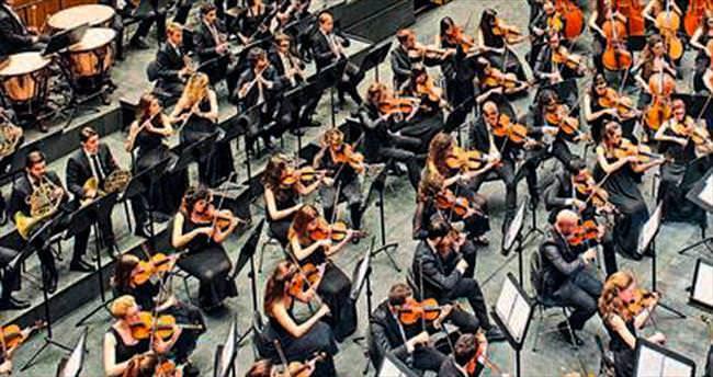 İzmir festivali Muti ile başlıyor
