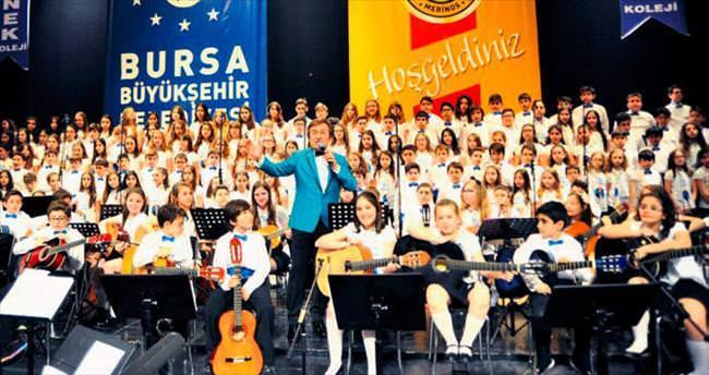 Erol Evgin'den coşkulu konser