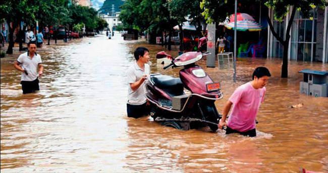 Çin'de sel bilançosu ağır: 57 ölü, 13 kayıp