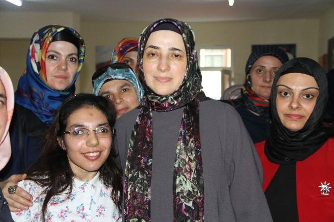 AK Parti Milletvekili Adayı Özlem Zengin, Pendik'de Kadınlarla Buluştu