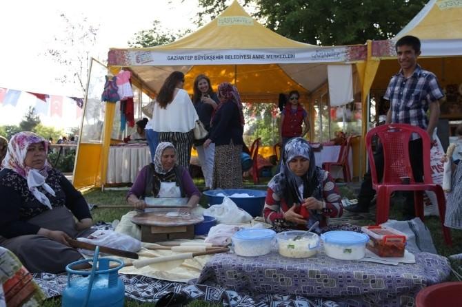 Türkiye'nin Yöresel Kültürleri Gaziantep'te Buluştu