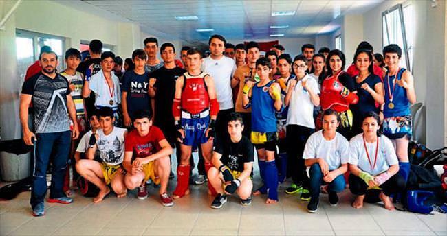 Anlamlı turnuvaya 180 sporcu katıldı
