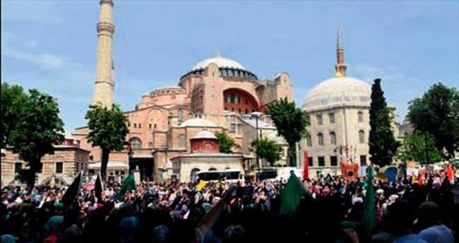 Ayasofya ve Mursi için yürüdüler